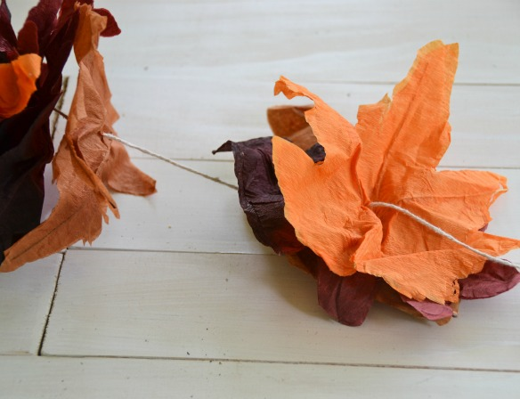 paper leaf garland tutorial