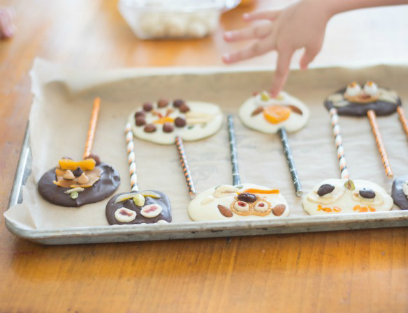 halloween treats for kids trail mix