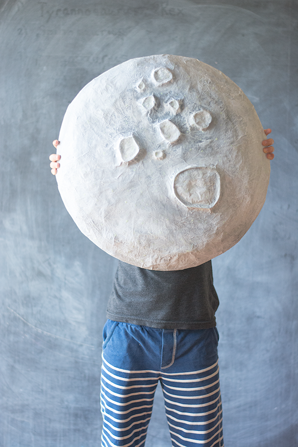 Giant paper mache moon jacks and kate for Simple paper mache projects